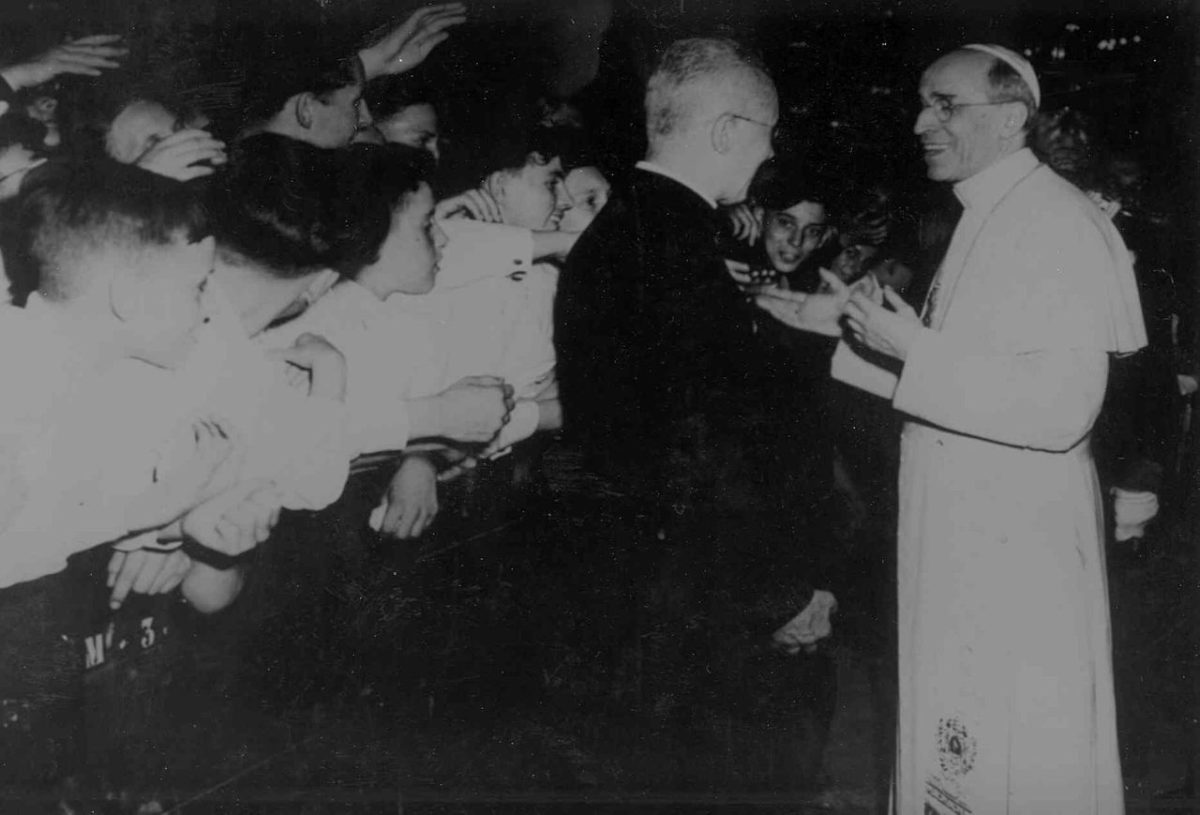 Pope Pius XII: Hitler's Pope Debunked