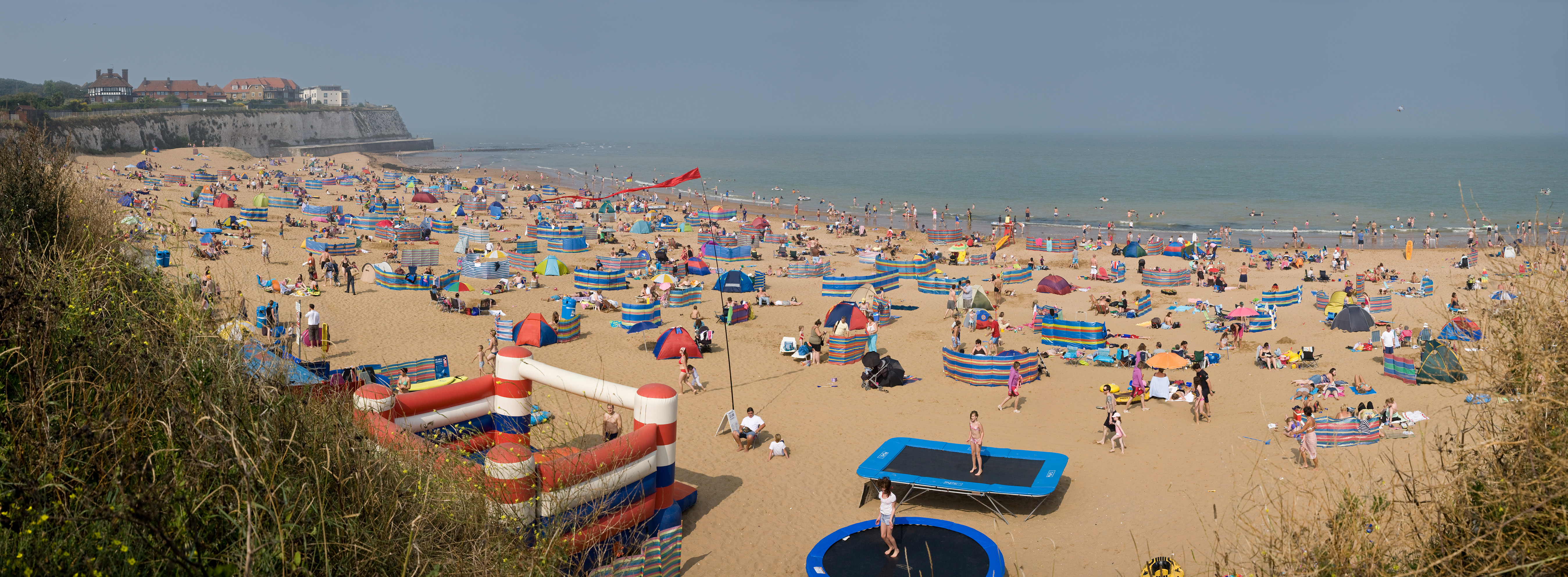 English: A sunny August day at the beach at Jo...