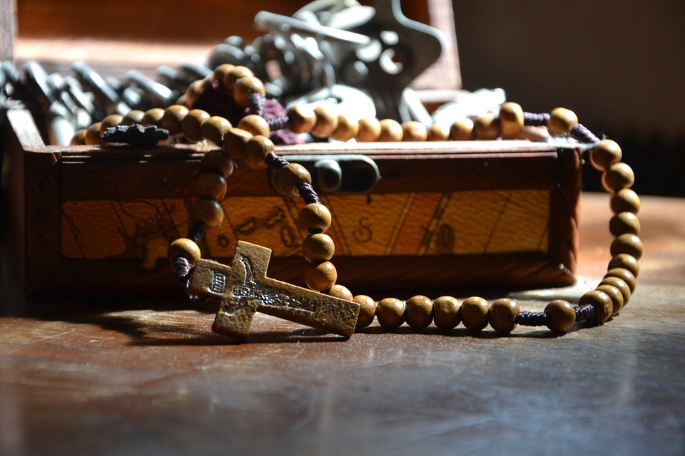 The Importance of Prioritizing Rosary Prayer