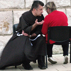 Medjugorje : Confession as it should be.
