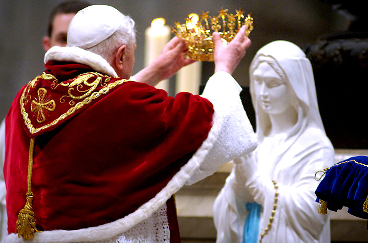 How Rosary Prayer Teaches the Glory of Humility