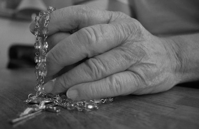 """How the Rosary Helps Us Avoid """"Everlasting Sin"""""""